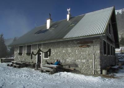 Taborniški dom na planini Šija, 1523 m
