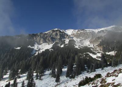 Šija planina se nahaja na južnih pobočjih Košute pod Malim Kladivom