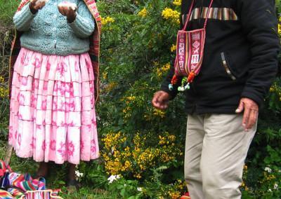 Don Aurelio in mama Justina nam  pripovedujeta o šamanizmu in kallawayskem pogledu na svet.