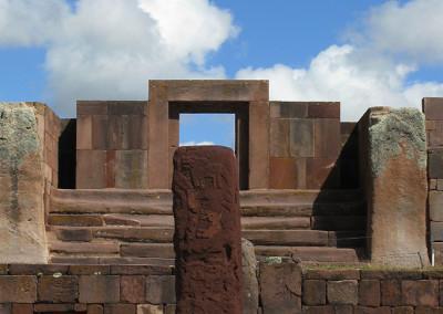 Tiwanaku (središče istoimenske civilizacije, ki je služil kot tempelj in observatorij)